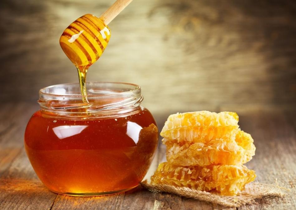 Качественный мед стекает вот так