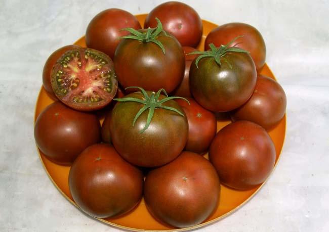 Сорт томатов Черная Лакомка